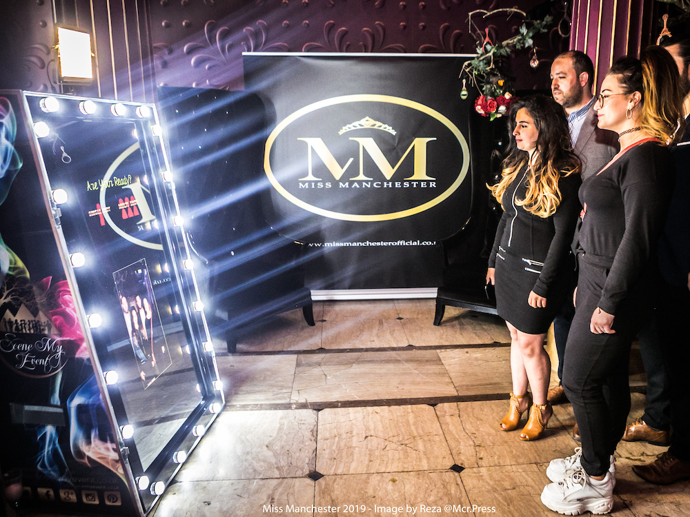 Hollywood-Spectre-Magic-Mirror-Photo-Booth-Miss-Manchester.