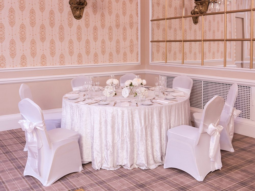 White Crushed Velvet Table Cloth