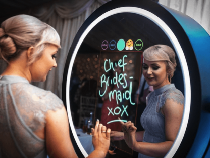White Beauty Magic Mirror Photo Booth