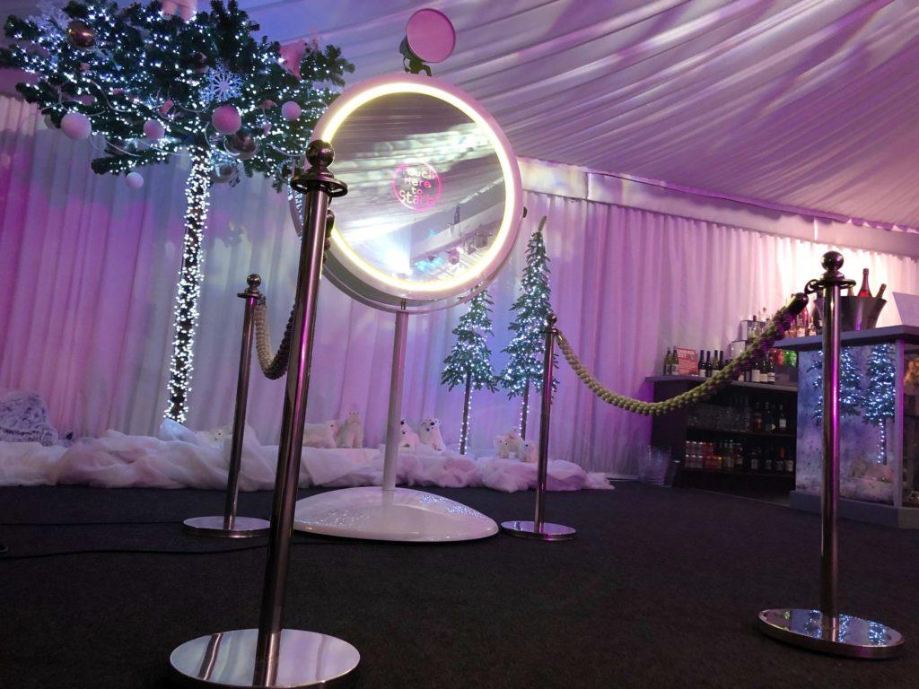 White Beauty Magic Mirror Photo Booth